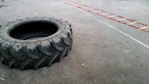 Koordinationstraining Traktorreifen